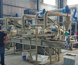 时处理1.5吨废弃电容回收处理设备发往河南周口